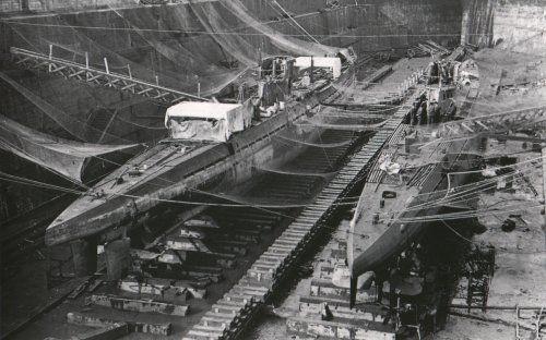 U-106 és az U-124 a bresti szárazdokkban